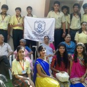 KABIRIANS SPREAD HAPPINESS BY VISITING AN OLD AGE HOME! (DRIVE IN NEW)